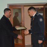 Decernați cu Diplome de Recunoștință.