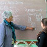 Oameni din Hîncești ! MARIA RUSU LA 45 DE ANI DE ACTIVITATE PEDAGOGICĂ