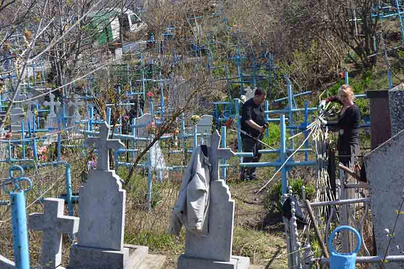 Accesul interzis de Paștele Blajinilor în cimitirile din Raionul Hîncești