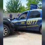 Video! Accident la Lăpușna ! Șoferul de Taxi se face vinovat
