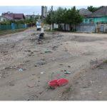 Unii locuitori de pe strada Ștefan Vodă din Hâncești aruncă gunoiul în stradă