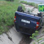 Un automobil a ajuns în șanț pe traseul Hâncești – Chișinău