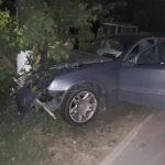 Un șofer a intrat cu mașina într-un stâlp din Hâncești