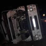 Accident pe traseul Hîncești-Chișinău ! Un camion plin cu floarea soarelui s-a răsturnat