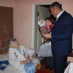 Primăria Hîncești în vizită la ultima bătrână veteran de război
