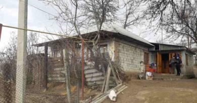 Tânăr strangulat și bărbat decedat în aceeiași casă la Lăpușna